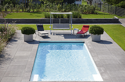 Piscines sur mesure abordables et de qualit pascal riche for Piscine prefabriquee
