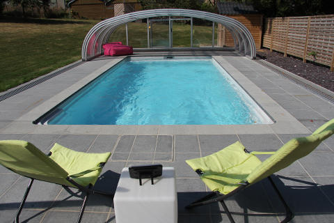 Piscine abri v randa spa am nagements ext rieurs riche for Piscine prefabriquee